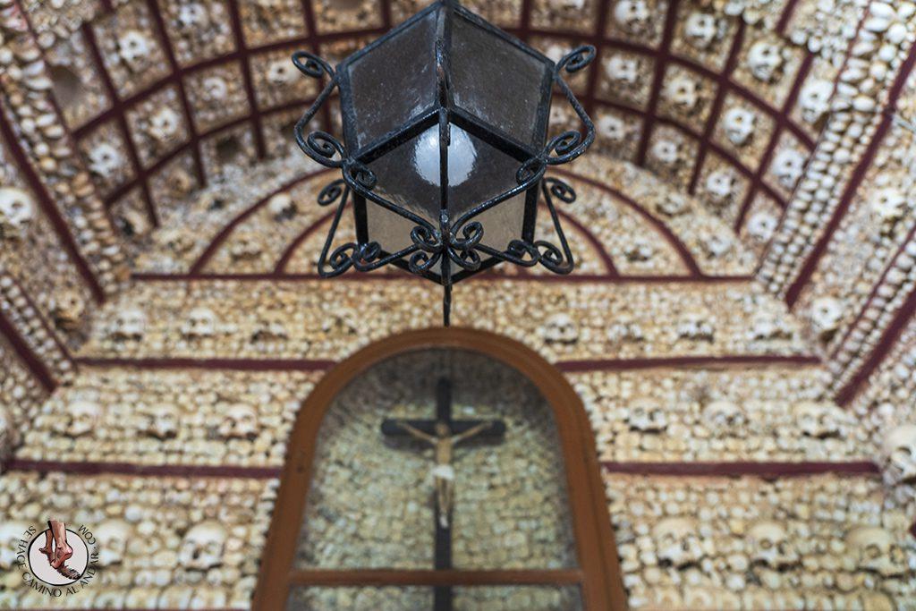 faro igreja do carmo Capela dos Ossos