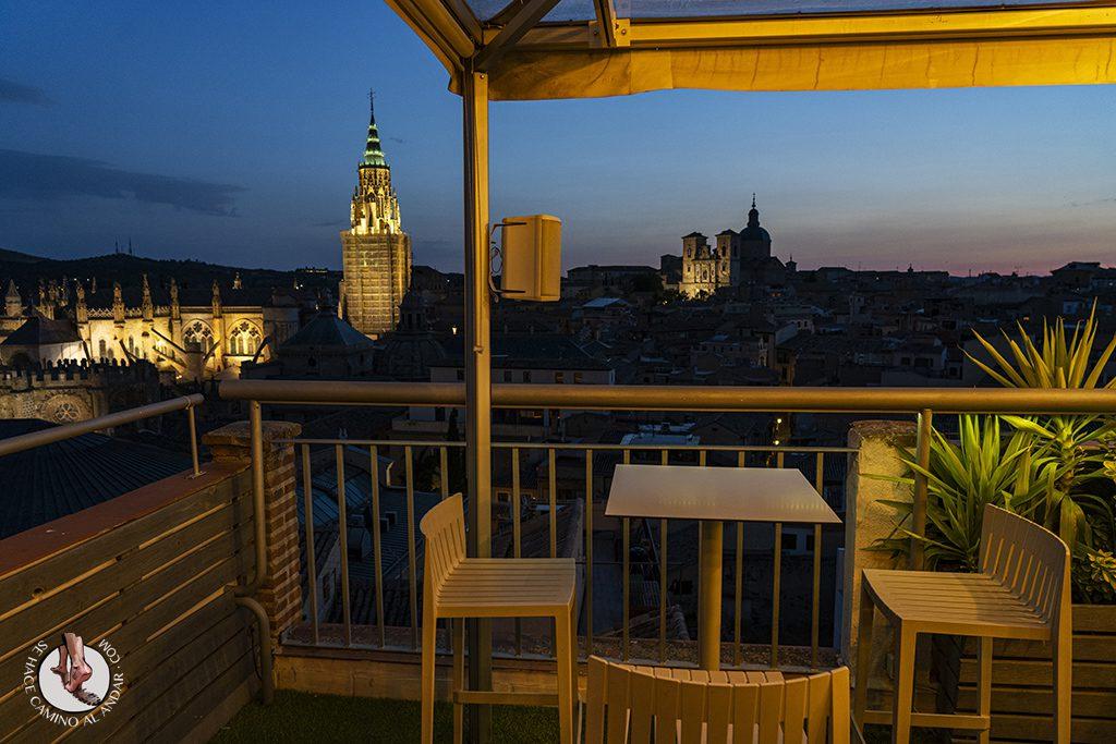miradores de toledo Terraza Azotea Hotel Carlos V mesa