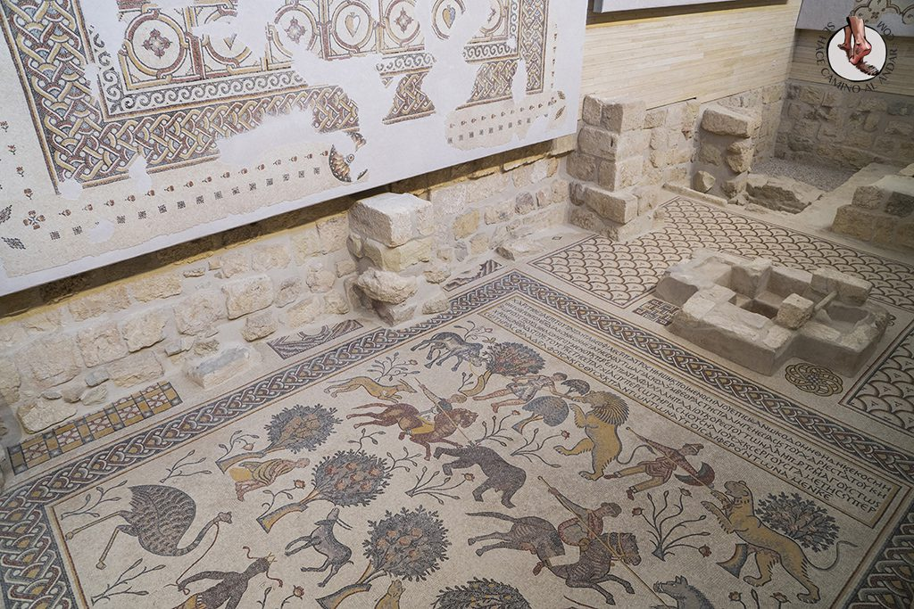 organizar viaje a jordania monte nebo iglesia memorial moises mosaico