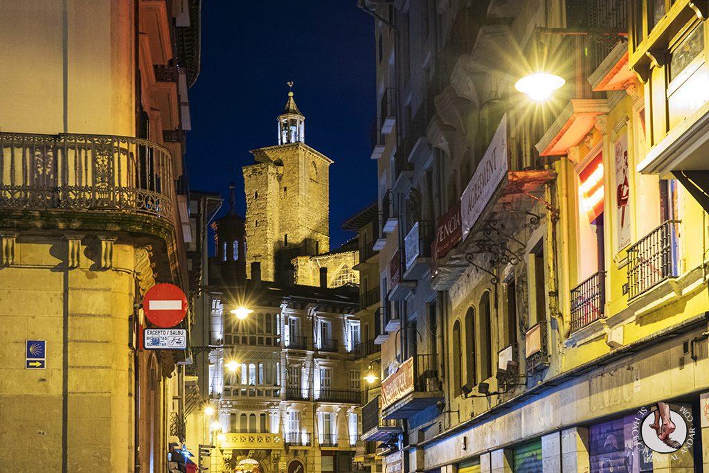 pamplona calle mercaderes noche