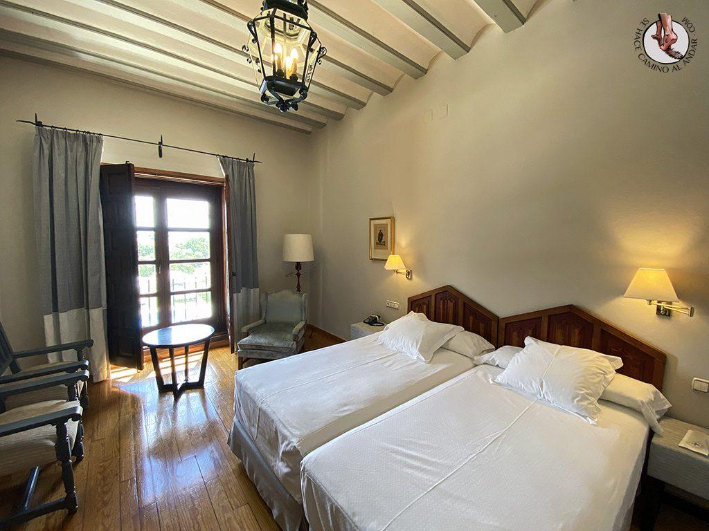 parador hotel piscina zamora habitacion cama