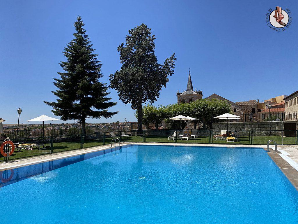 parador hotel piscina zamora iglesia cipriano