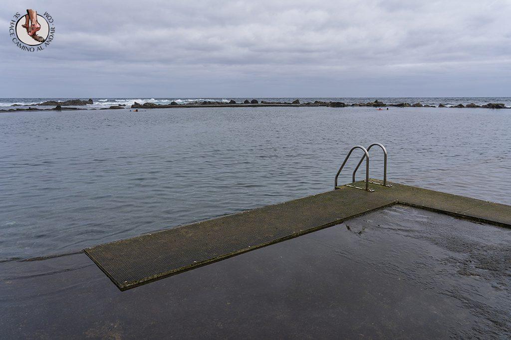 piscina natural los charcones escalera