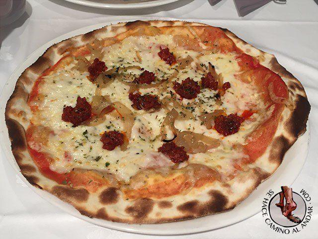 pizza menorquina sobrasada miel roma