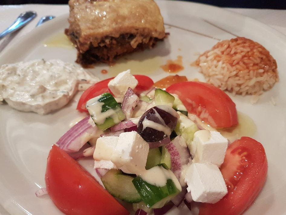 que comer en parís La Crete ensalada griega