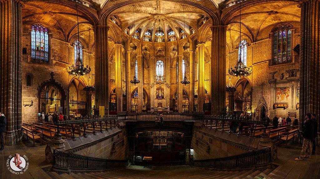 que ver en Barcelona interior catedral