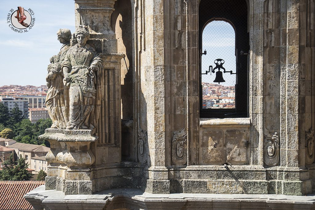 que ver en Salamanca Clerecia Scala Coeli estatua