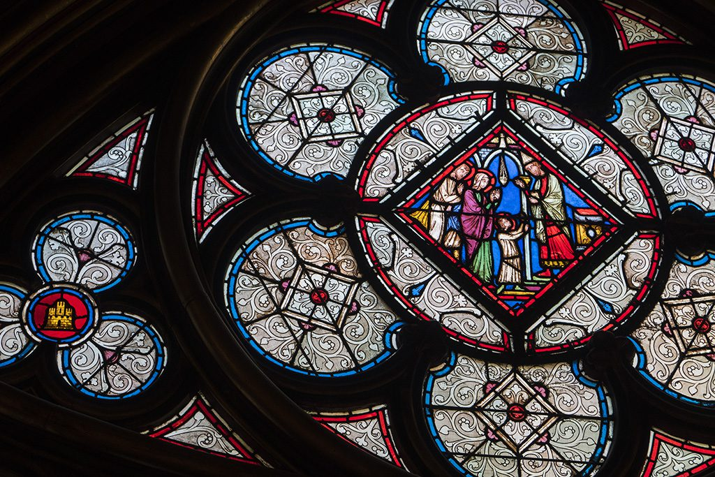que ver en paris saint chapelle detalle vidriera