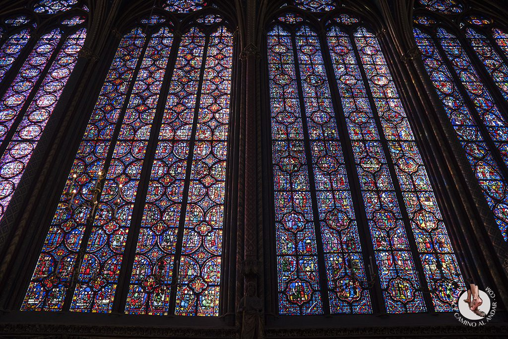 que ver en paris saint chapelle vidriera lateral