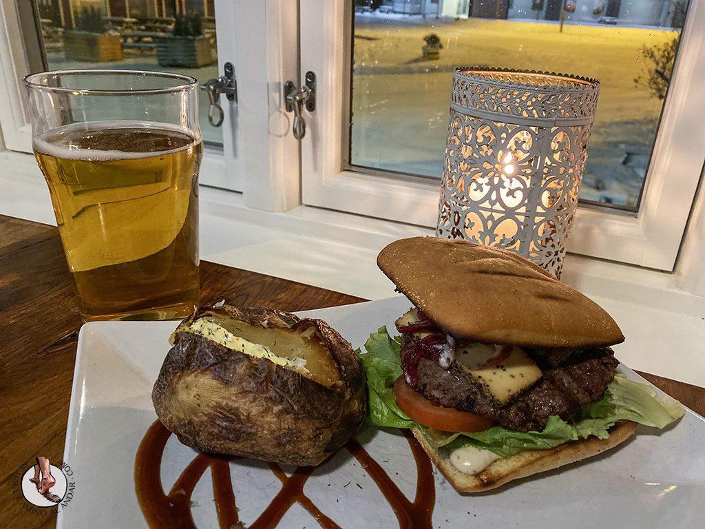 viajar a Islandia Seyðisfjörður restaurante el grillo burger