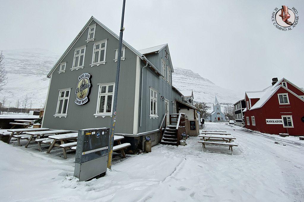 viajar a Islandia Seydisfjordur restaurante el grillo