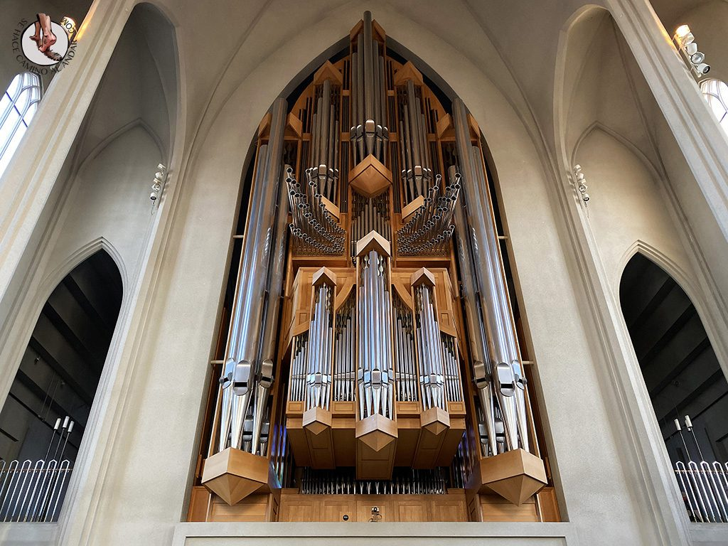 visitar reikiavik 1 dia iglesia Hallgrimskirkja organo